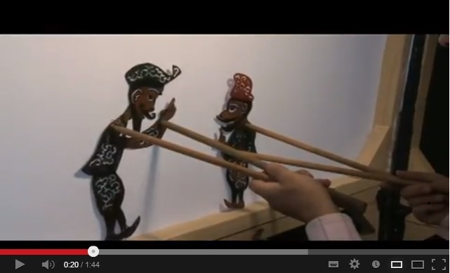 Video of a refugee shadow puppeteer, working in Lebanon